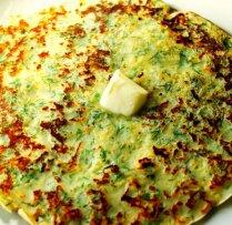 Тонкие блины с сыром и зеленью