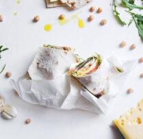 Lavašs pildīts ar lasi, olu un sieru