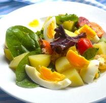 Jauno kartupelīšu salāti ar tunci un olu