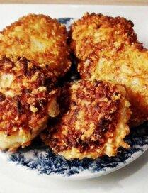 Ātrie rīsu – siera plācenīši