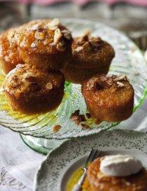 Миндальные пирожные с апельсиновым сиропом