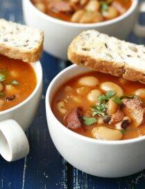 Lētā pupiņu zupa