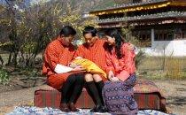 Butānas karaļpāris atrāda karalisko pirmdzimto