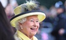 Dāvanas un pudiņi: cik svētkos tērē karaliene Elizabete II