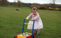 Publiskoti jauni teju gadu vecās princeses Šarlotes foto