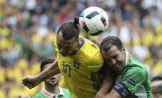 Zviedriju no zaudējuma glābj īru 'gols' savos vārtos