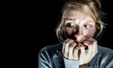 Bailes no skūpstīšanās, ziediem, bērniem un alkohola. 10 neparastas fobijas