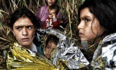 Kopīgas dušas un tualetes: bēgles saskaras ar seksuālu vardarbību