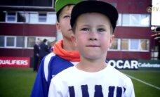 Video: Mazie spēlētāji izved laukumā Latvijas un Nīderlandes futbola izlases