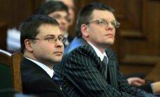 Dombrovskis pozitīvi vērtē Repšes lēmumu atgriezties politikā; pagaidām neplāno viņu izslēgt no 'Vienotības'