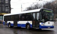 В Риге столкнулись автобус Rīgas satiksme и легковой автомобиль