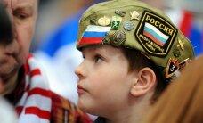 Foto: Indraša sāpe, 9. maijs tribīnēs un Krievijas uzvara laukumā