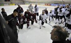 Latvijas hokejisti pacilātā noskaņojumā gatavojas agresīvai vāciešu pretspēlei