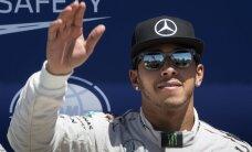 Hamiltons izcīna astoto uzvaru šosezon, palielinot pārsvaru kopvērtējumā