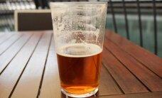 В Латвии могут запретить торговлю пивом в больших бутылках