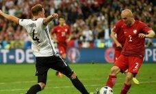 Vācijas un Polijas spēlē bezvārtu neizšķirts; Ukrainas izlase zaudē izredzes iekļūt EČ astotdaļfinālā