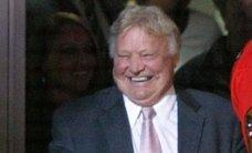 Par visu laiku labāko Čikāgas 'Blackhawks' spēlētāju atzīts Bobijs Hals