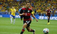 'Bayern' uzbrucējam Lāmam izoperēta lauztā potīte