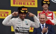 Hamiltons izmanto Rosberga neveiksmi, sperot ļoti platu soli pretim F-1 čempiona titulam