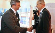 Austrijas prezidenta vēlēšanu otrajā kārtā abiem kandidātiem gandrīz vienādi rezultāti