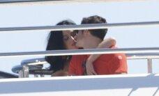 Paparaci foto: Pēc krāpšanas skandāla kopā iemūžināti Blūms un Perija