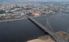 Iedzīvotāji sašutuši par Rīgas domes vēlmi cauri pagalmam būvēt ielu