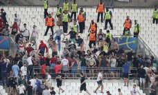 Francijas tiesa trim krievu faniem piespriež vienu un divus gadus cietumā