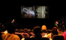 Filipīnu laikraksts piedāvā ieteikumus izdzīvošanai kinoteātrī