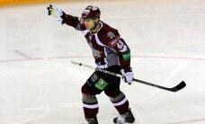 Slovākijas hokeja izlasē iekļauts arī Rīgas 'Dinamo' uzbrucējs Surovijs