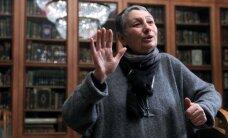 Maskavā huligāni uzbrūk rakstniecei Uļickai
