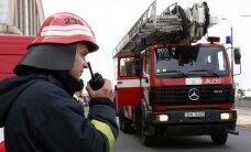 VUGD un autobusa avārija notikusi, ugunsdzēsējiem dodoties uz izsaukumu
