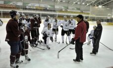 Latvijas hokejisti aizvada pirmo no divām spēlēm pret Krievijas otro izlasi