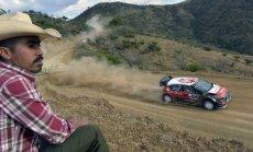 Britu autosportists Mīke līderis pēc Meksikas rallija otrās dienas