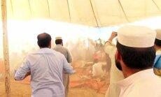 Video: Pakistānā sabrūk ar islāmistu politiķiem pilna skatuve