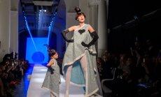 ВИДЕО. Трехлетняя дочь знаменитой модели умилила публику на показе Готье