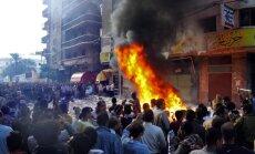 Ēģiptes armija norobežo teritoriju ap prezidenta pili