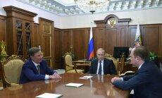 Putins negaidīti atlaiž savas administrācijas vadītāju Ivanovu