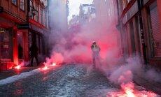 Stokholmā sadursmēs starp policiju un antifašistiem ievainoti divi cilvēki