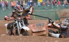 Baksa/Stupeļa ekipāža uzvar pasaules čempionāta motokrosā blakusvāģiem posma kvalifikācijā