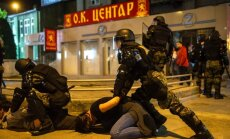 Pamatīgos grautiņos Maķedonijā aizdedzina prezidenta kanceleju