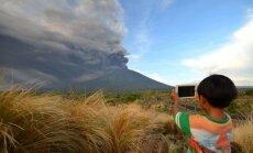 Foto: Agunga izvirdums Bali salā apgrūtina aviosatiksmi