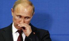 Putins nosūtījis telegrammu Ņemcova mātei