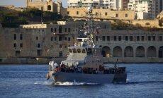 Vidusjūrā apzināti nogremdēts kuģis ar 500 migrantiem