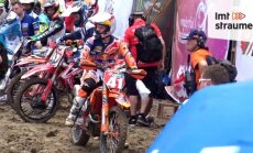 Video: Pauls Jonass MX2 PČ posmā iestrēgst Indonēzijas dubļos