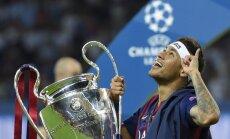 Nedomāju, ka šosezon izcīnīsim trīs titulus, atzīst 'Barcelona' galvenais treneris Luiss Enrike