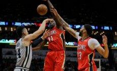 Bertāna 'Spurs' NBA regulāro sezonu noslēdz ar zaudējumu 'Pelicans', 'play-off' tiksies ar Goldensteitas 'Warriors'