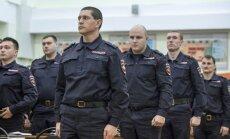 Laikraksts: Krievijas policistiem aizliegts atstāt valsti