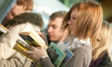 Lasīšanas svinēšana. Ieskaties Rīgas grāmatu svētku kultūras programmā!