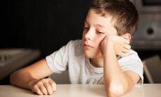 13 pazīmes, kas liecina – par tavu bērnu skolā ņirgājas