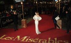 Vērienīgu pirmizrādi piedzīvojusi mūzikla 'Les Miserables' kino versija